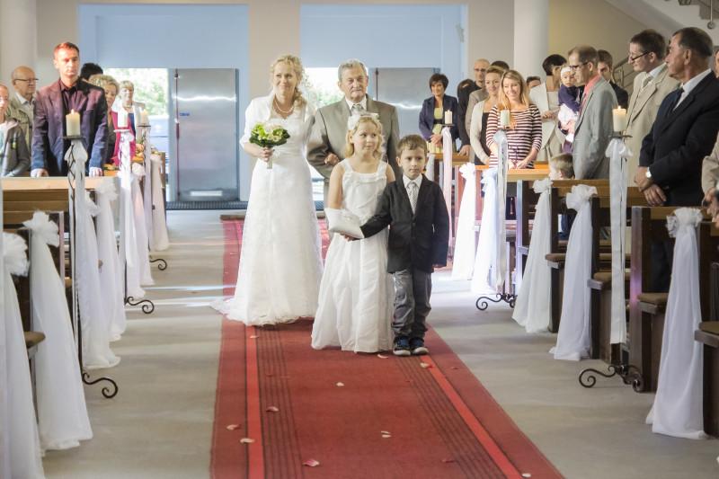 ślub, uroczystośc zaślubin w kościele p.w. Bożego ciała w Bydgoszczy 060
